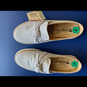 Tommy Bahama blue and white slides.  New with tag.